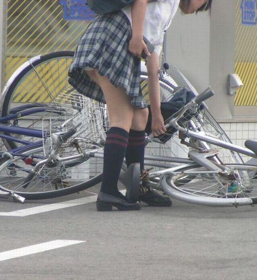 【三次画像あり】 JKがミニスカで自転車に乗ってる姿を後ろから眺めるの幸せすぎ♪ 56枚 part.13 No.42
