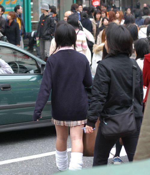 ミニスカートのJKの太ももを街撮り盗撮したエロ画像でウォームングアップしようぜ! 53枚 part.28 No.24