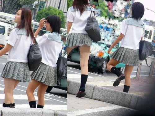 ミニスカートのJKの太ももを街撮り盗撮したエロ画像でウォームングアップしようぜ! 53枚 part.28 No.40