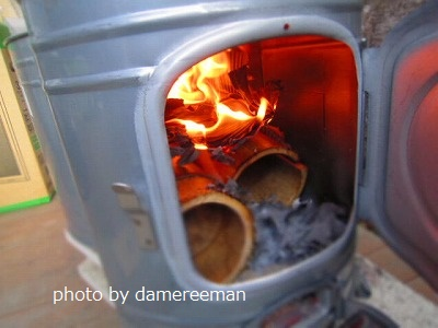 薪ストーブ火入れ式