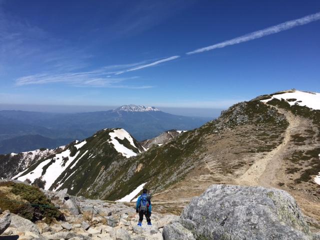 木曽駒4_御嶽山をのぞむ