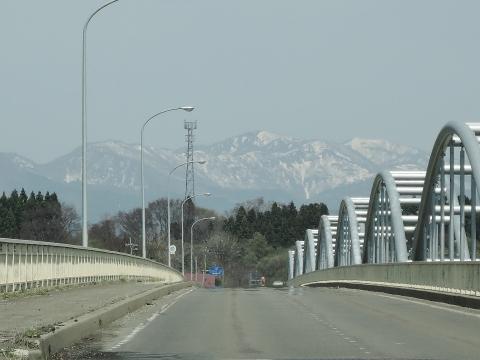 朴瀬橋からの白神山地20151