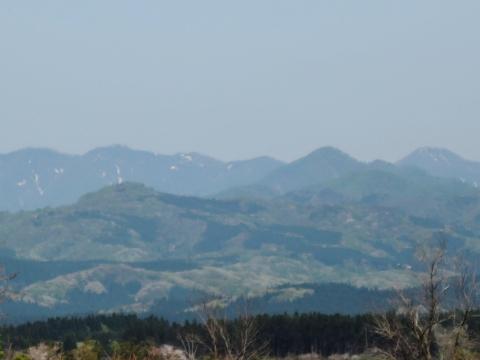 東雲大地からの白神山地201560