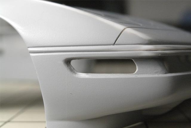 4812 右側リフレクター孔加工 640×430