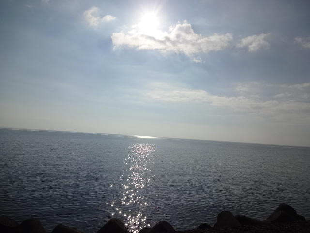 鹿児島湾の朝日