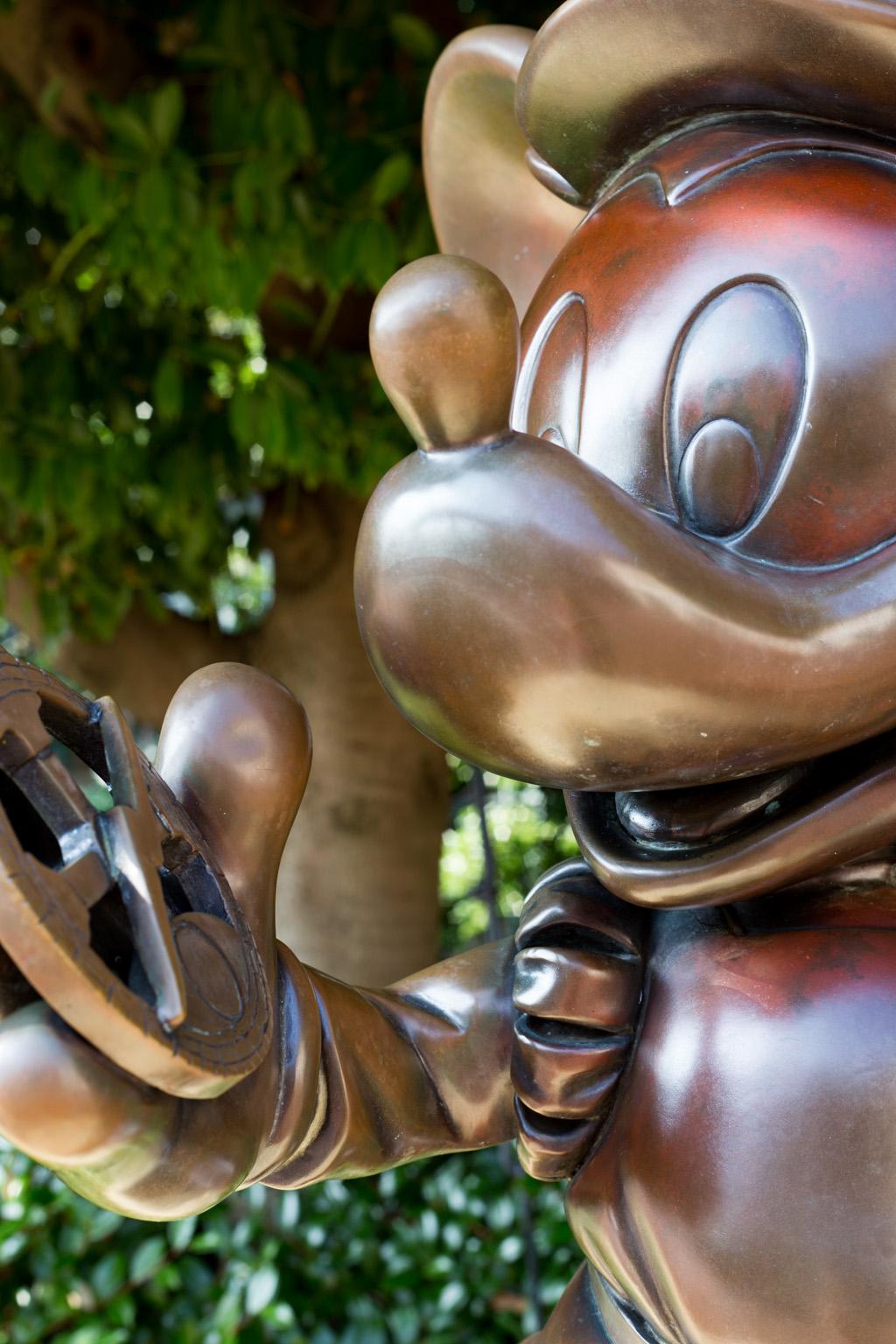 冒険 ミッキーブロンズ像(東京ディズニーシー)