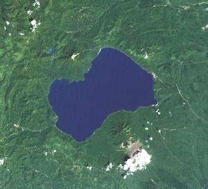 支笏湖衛星写真