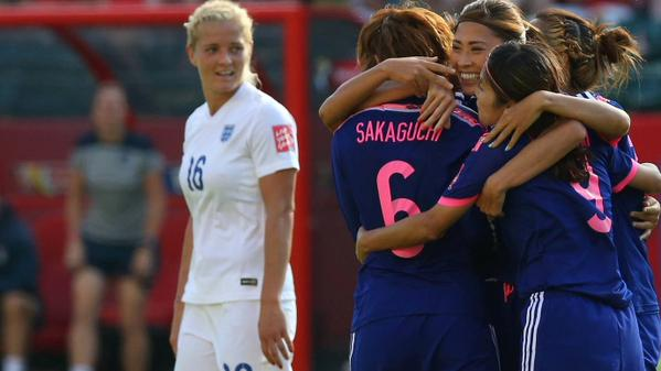 JPN 2-1 ENG Holders through in a dramatic ending