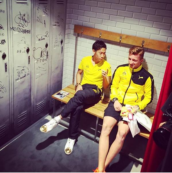 Shinji Kagawa and Marco Reus before a store event in Tokyo