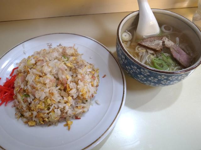 炒飯とラーメン半分