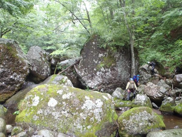 岩ゴロゴロ