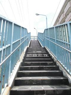小田急江ノ島線の名前のない跨線橋@大和市c