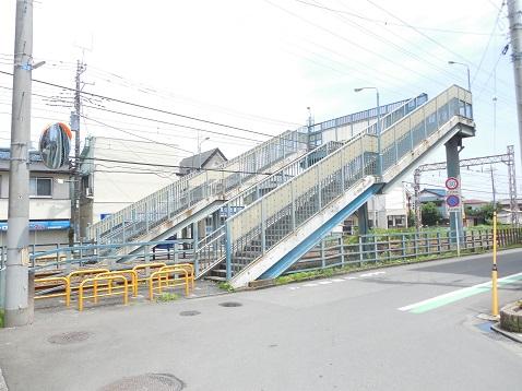 小田急江ノ島線の名前のない跨線橋@大和市a