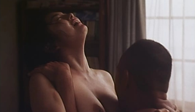 小島聖(女優濡れ場)映画「完全なる飼育」での竹中直人と巨乳丸出し濃厚セックスシーン。(※動画あり)