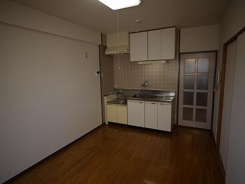 ビラ・ニューロード302キッチン
