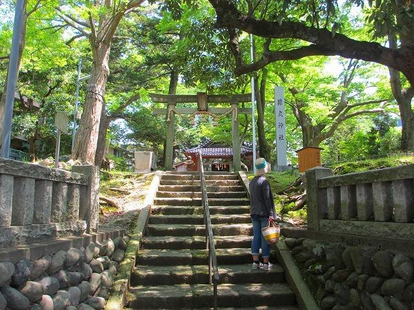 猿丸神社3