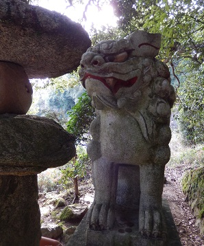 岩尾神社狛犬