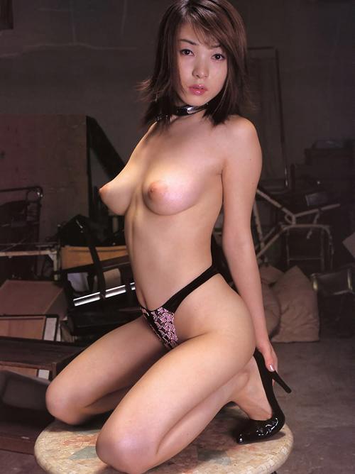 美乳で綺麗な乳首のおっぱいだけを集めたクッソ抜けるエロ画像