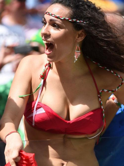 【W杯】コパアメリカのサポーターには露出狂が多すぎwww プルルン!!