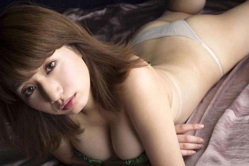 池田愛恵里のはみ出したおっぱい20