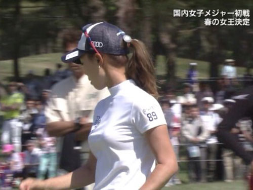 【画像】ゴルフが着衣巨乳やパンチラがエロすぎてプレイが全然入ってこないwwwwwwwwww