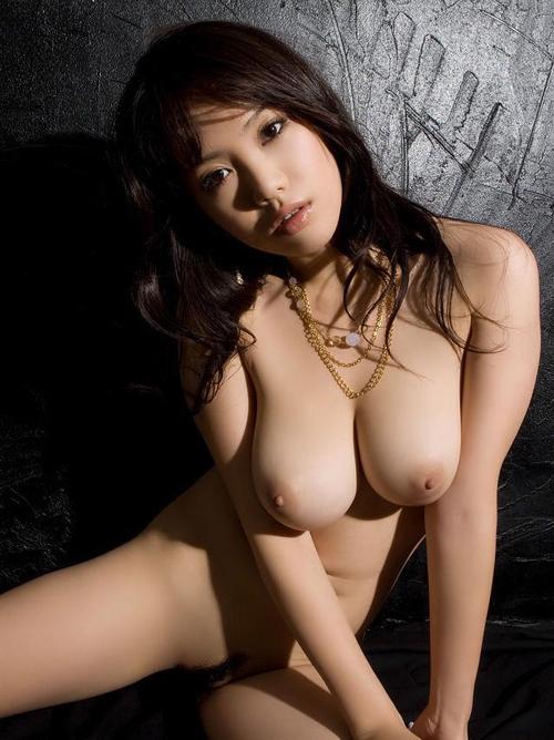 ズッシリ重そうな巨乳おっぱいをぶら下げた女wwwwww【画像30枚】