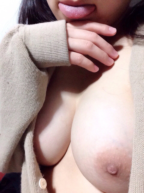 【三次】素人の女の子のおっぱい画像