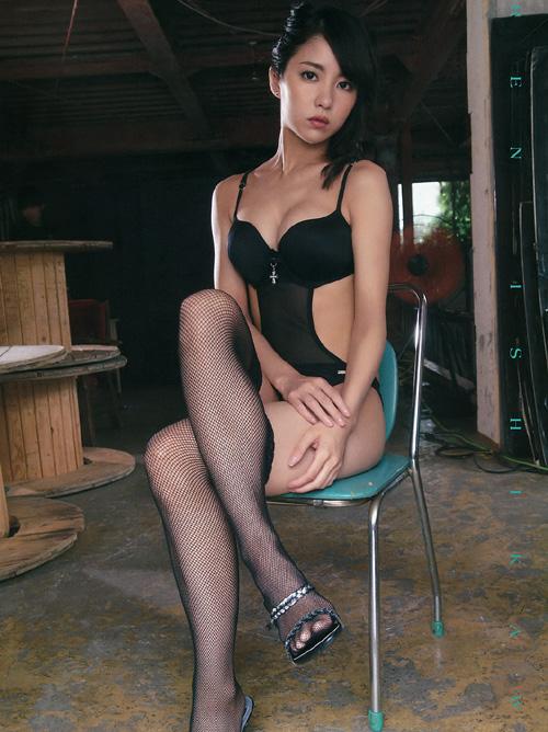 石川恋 黒髪モデル美女の、エロ尻肉はみだしまくりな最新グラビア #エロ画像 63枚