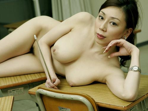 【熟女 エロ画像】ムッチリした熟女の艶かしい肉体がエロすぎるwww