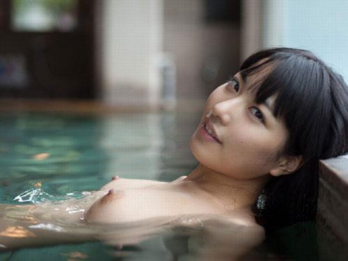 3次元 温泉やお風呂での裸体に興奮してしまうエロ画像まとめ 42枚