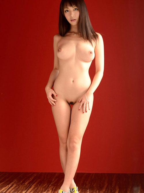 全裸でヒール履いておっぱい露出24