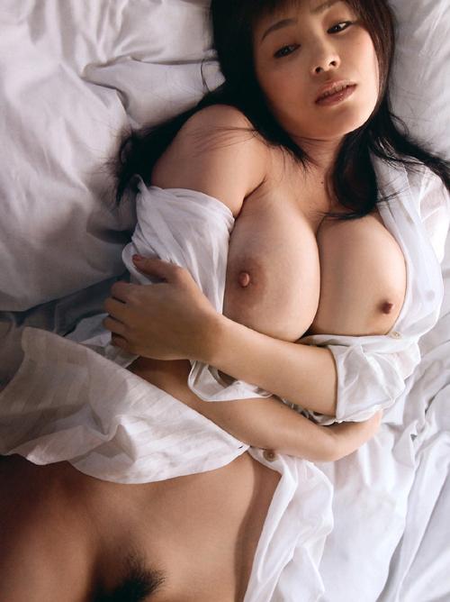 透明感バツグン美少女は身体も超ド級にHなおっぱいくびれボディー