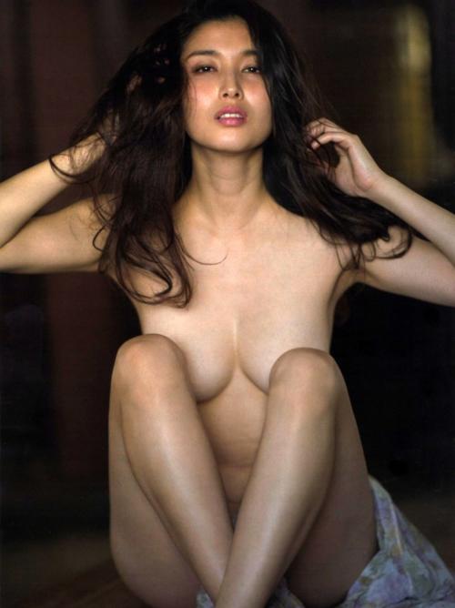 愛人にしたいNo.1、橋本マナミの過激セミヌード画像 55枚
