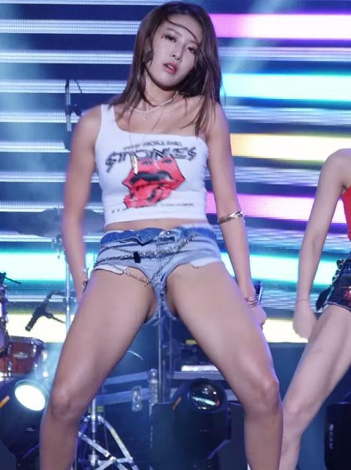 韓国美女の腰振りダンスがエロすぎと話題