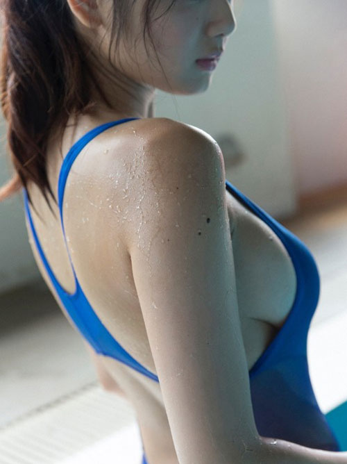 競泳水着エロ画像 競泳水着とムチムチ女体
