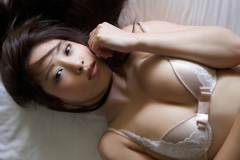 野田彩加 ハイレグが股間に食い込む色っぽいミズ着のお乳☆ #えろ写真