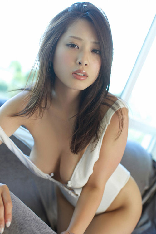 野田彩加のハイレグ濡彩おっぱい23