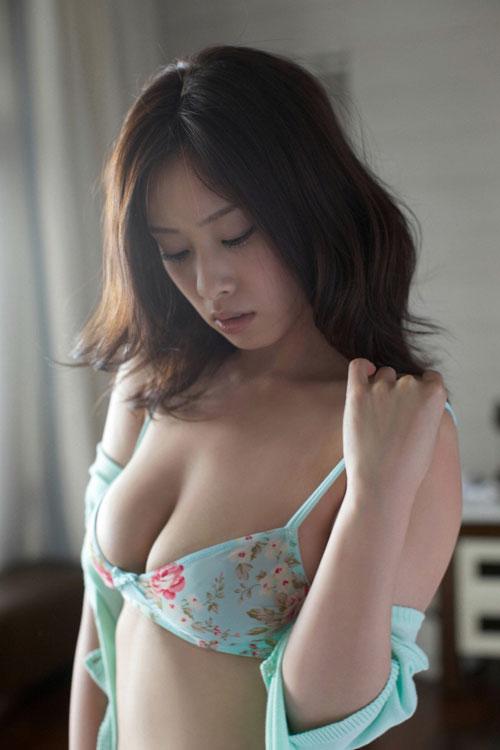 野田彩加のハイレグ濡彩おっぱい29