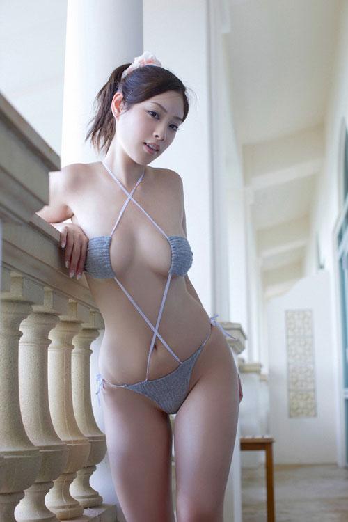 野田彩加のハイレグ濡彩おっぱい43
