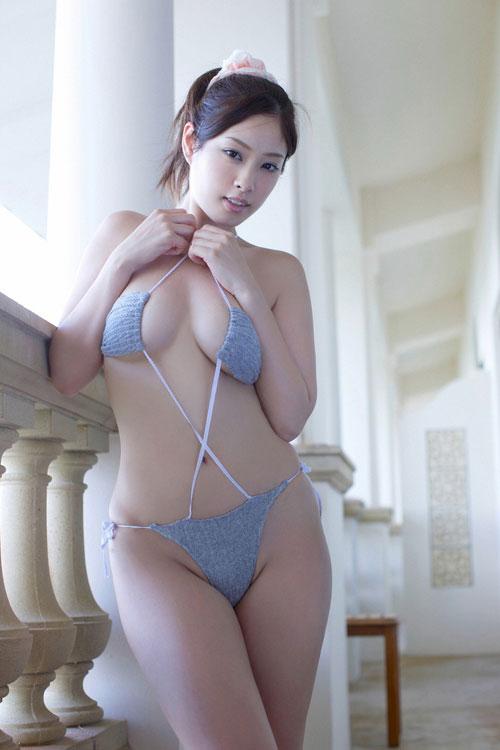 野田彩加のハイレグ濡彩おっぱい44
