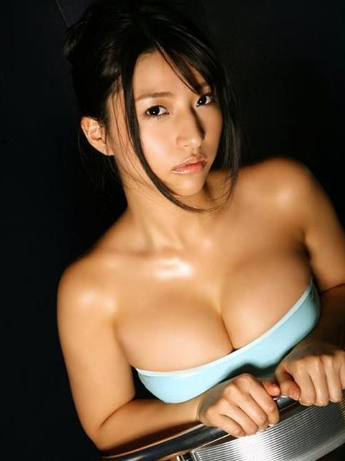 【葵つかさsafersex正しいコンドームつけ方】ハミ乳美乳おっぱい水着画像