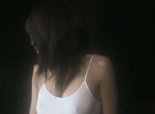 【宮内知美】刺激的な衣装を披露