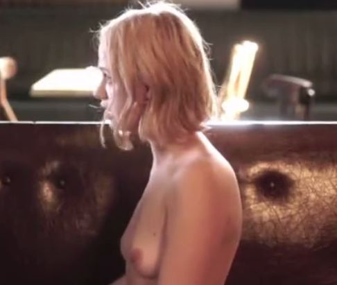 サラ・フォレスティエ 形の良い胸が露わになる濡れ場