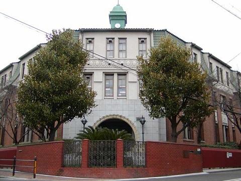 大阪市立工芸高等学校本館