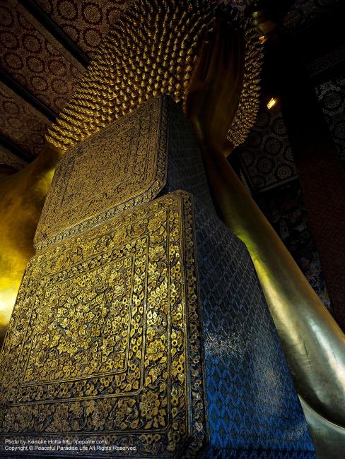 涅槃仏の二段枕