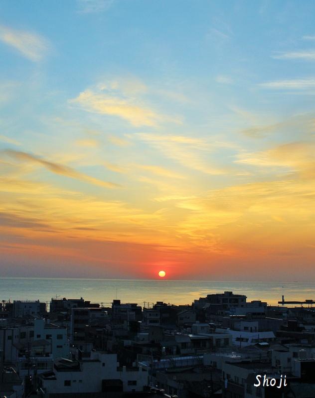 伊東港の朝日