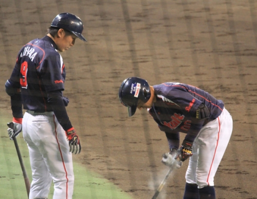 【野球ネタ】選手がバットにスプレーしてるのよく見るけどあれなんや?
