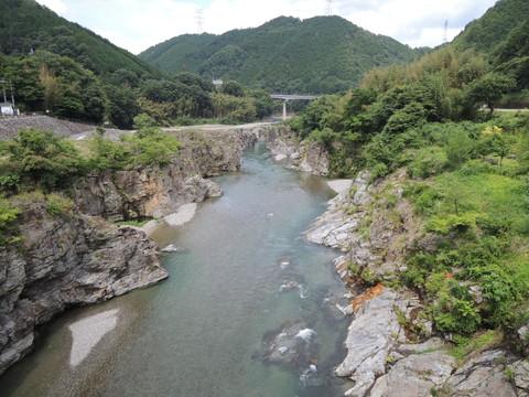 宮滝付近の吉野川(上流側)