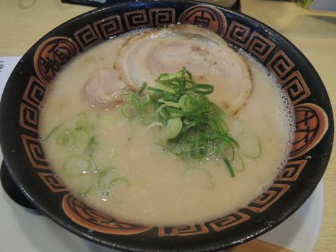 長浜らーめん(680円)