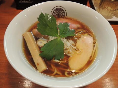 鶏醤油らぁ麺(750円)